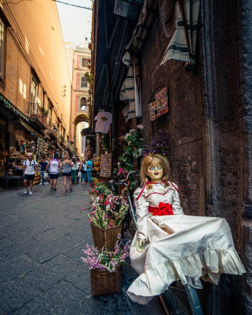 Annabelle 2 Creation - Il tour - Napoli San Gregorio Armeno photo by Alessio De Cicco