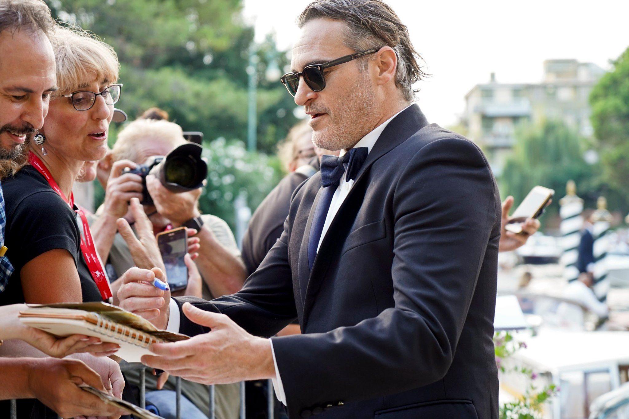 Joaquin Phoenix Red Carpet per Joker film in concorso al Festival del cinema di Venezia 1