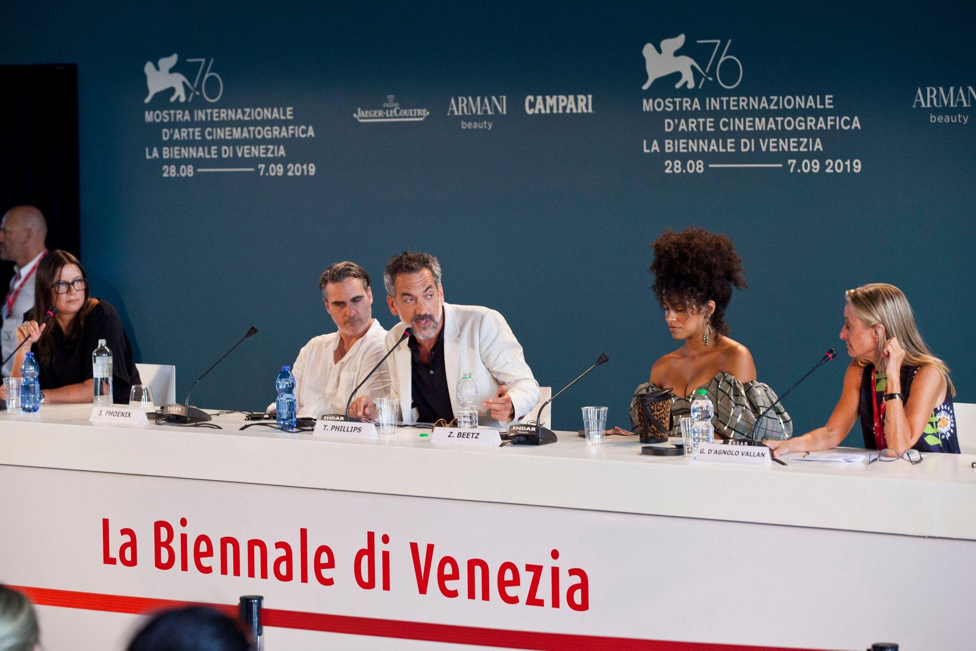 Joaquin Phoenix Zazie Beetz e Todd Phillips Conferenza Stampa per Joker film in concorso al Festival del cinema di Venezia 6