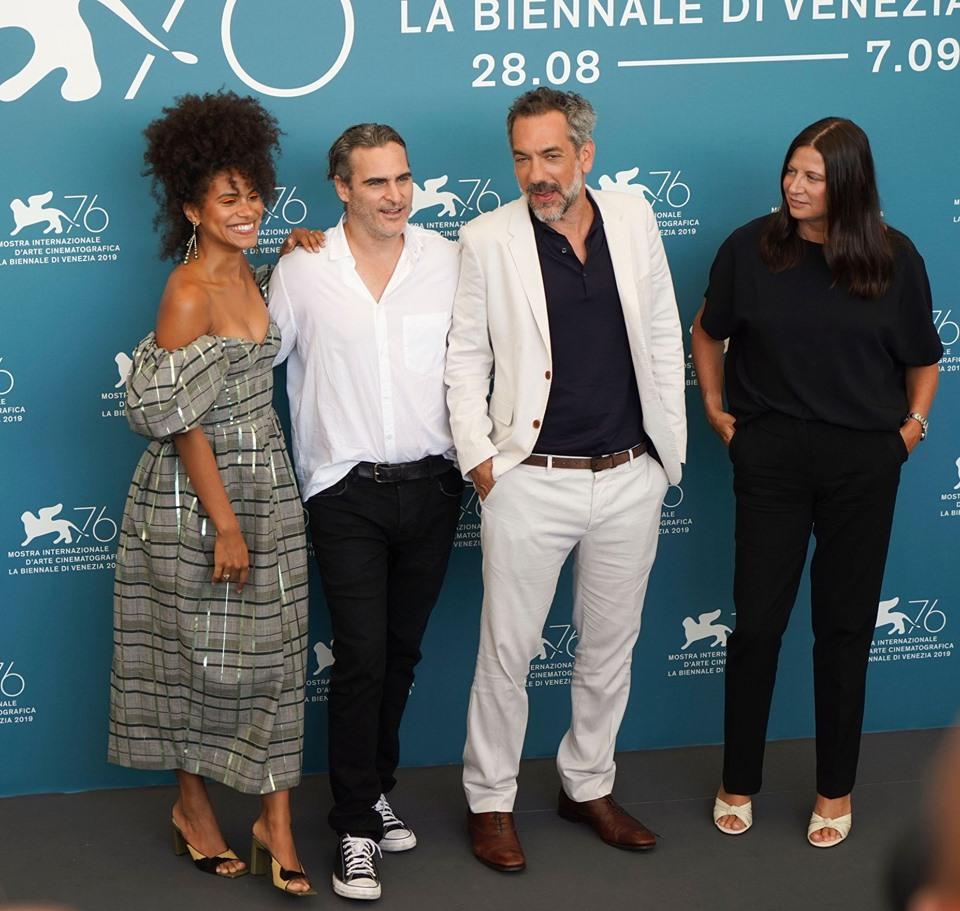Joaquin Phoenix Zazie Beetz e Todd Phillips Photocall per Joker film in concorso al Festival del cinema di Venezia 4