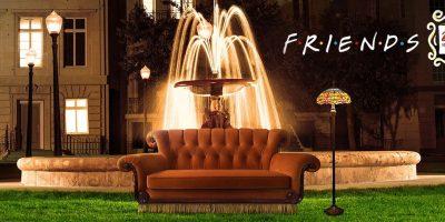 Friends compie 25 anni – il 21 e il 22 settembre l'iconico divano arancione di Central Perk arriva a Roma